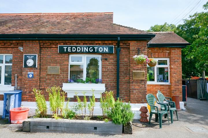 Waste clearance in Teddington